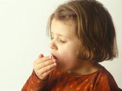фото 1. ребенок кашляет