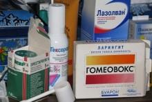 Спреи, сиропы, леденцы и другие таблетки для лечения ларингита