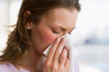 Как лечить насморк с белыми выделениями у взрослого